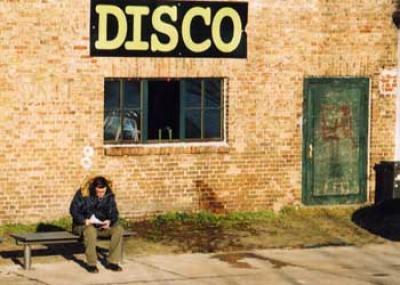 Disco 2000 , in der Mitte von nirgendwo.